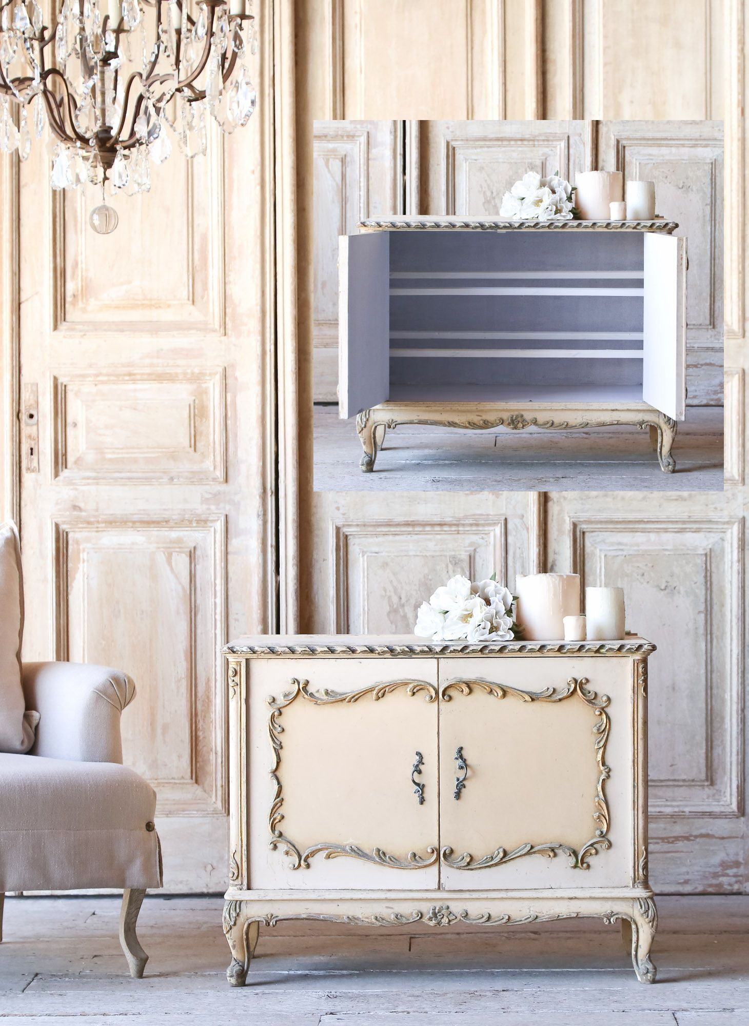 amazing two tone cream vintage shoe cabinet is a perfect piece for your french boudoir. Black Bedroom Furniture Sets. Home Design Ideas