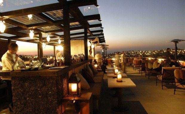 Rooftop Bar Miguel019 Jpg 620 385 Rooftop Bar Rooftop Cool Lighting