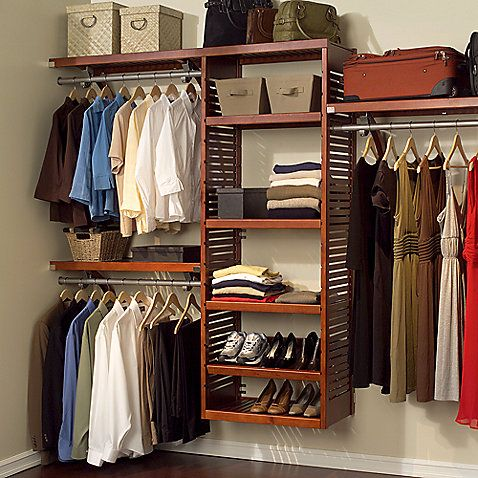 Add Elegance And Style To Your Closet With This Closet Organizer You Can Expand As Your Needs Expa Armazenamento De Armario Armario Prateleira Closets Pequenos