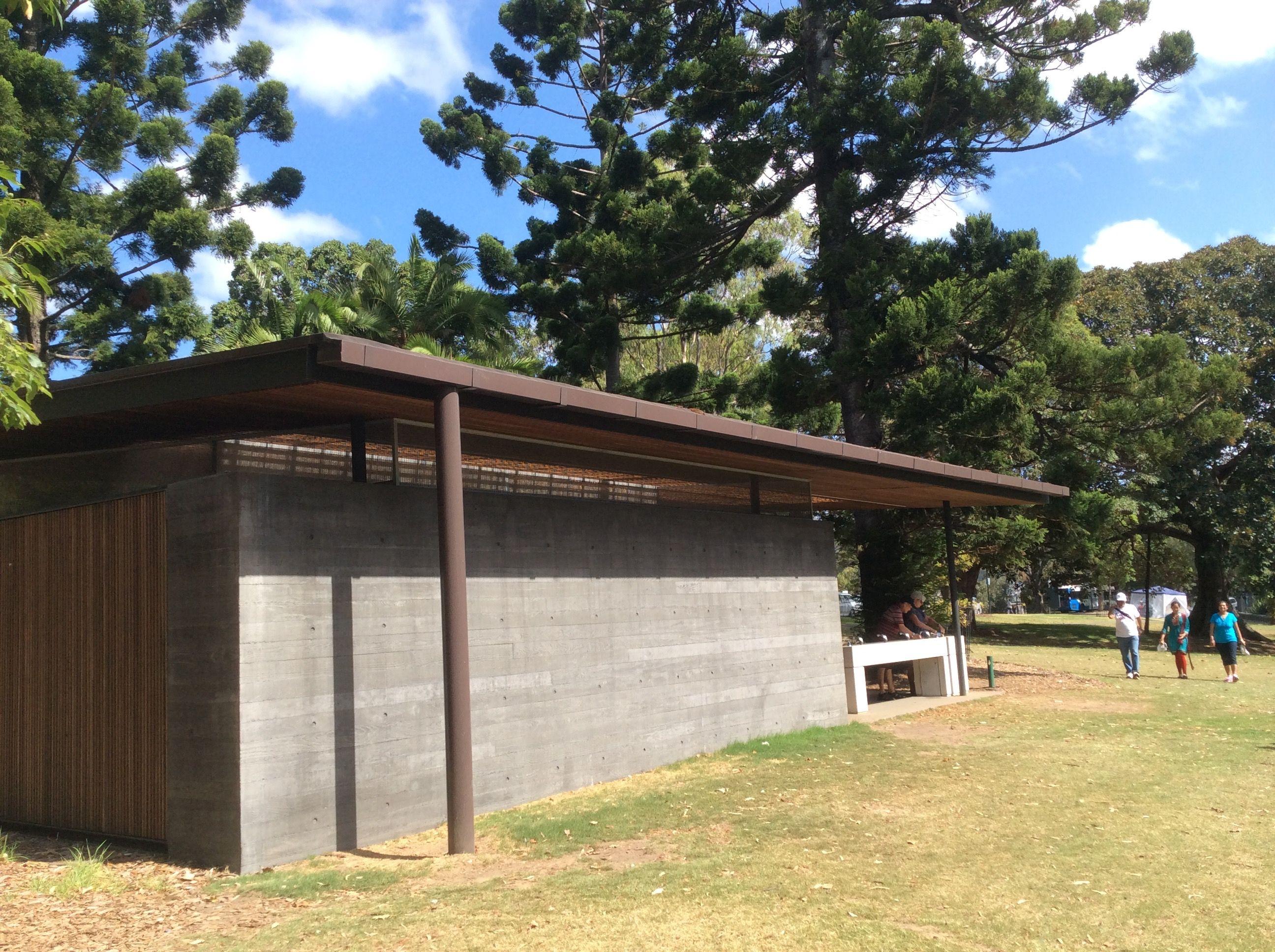 Near Mrs Macquarie's Chair In Royal Botanic Gardens. Sydney Nsw ... Offentliche Toilette Park Landschaft