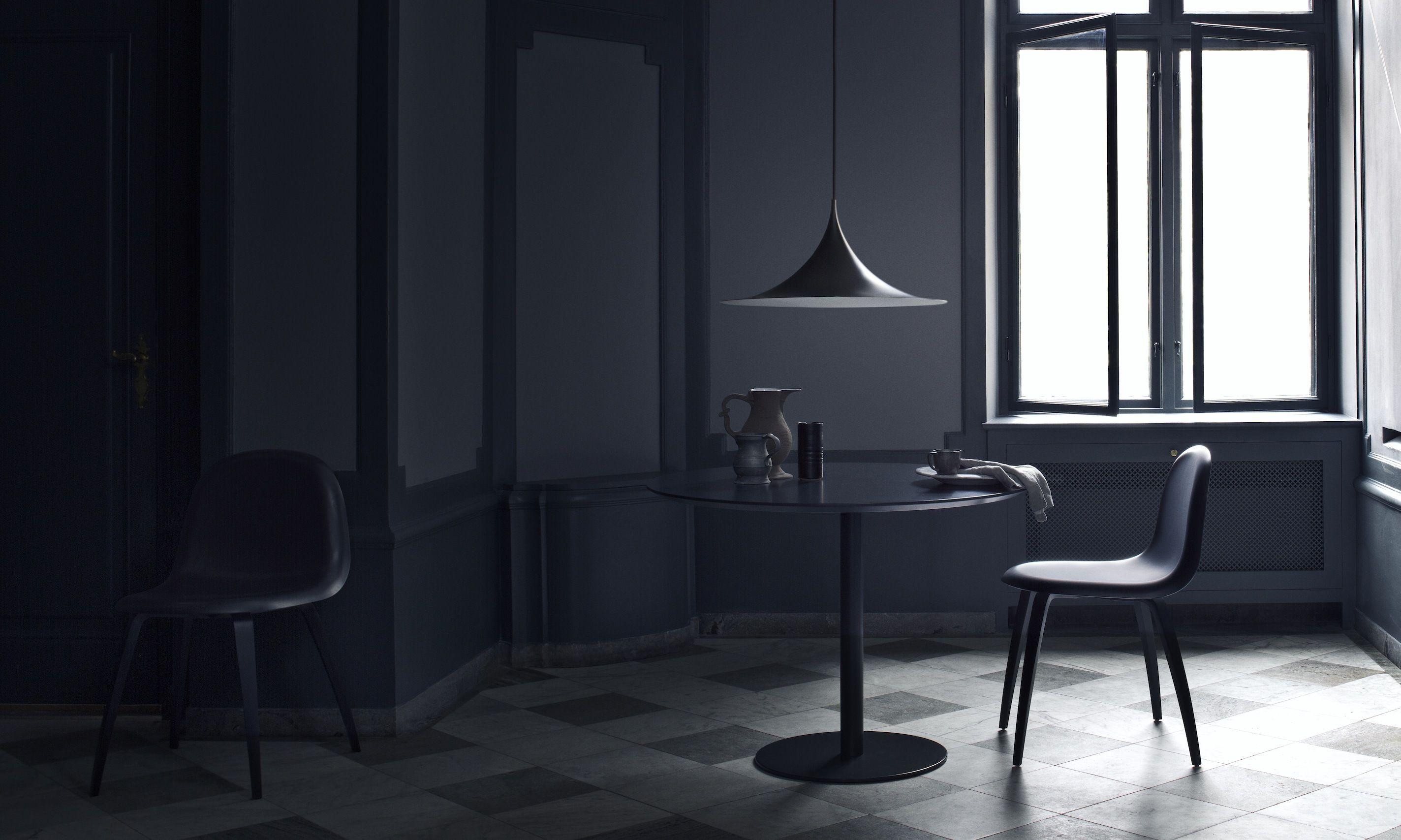 All-black modern interior styled by Heidi Lerkenfeldt. | Modern ...