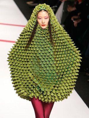 パリコレ ファッションショーの奇抜すぎるコーディネート