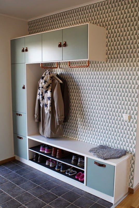 Hallway Statement Wall Paper Behind Shoe Bench Area