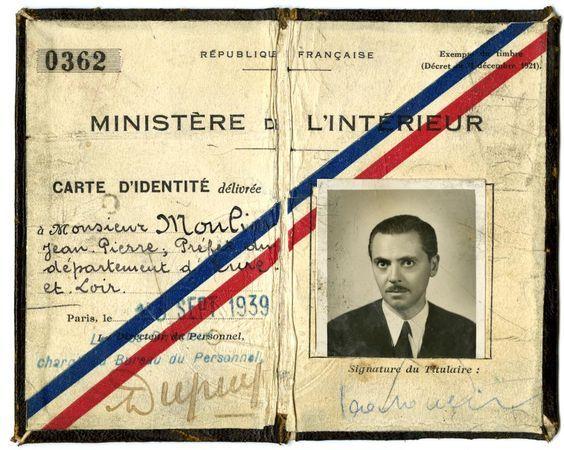 Carte D Identite De Jean Moulin 1939 C Coll Antoinette Sasse Musee Du General Leclerc De Hauteclocque Et De La Carte D Identite Jean Moulin Photo D Identite