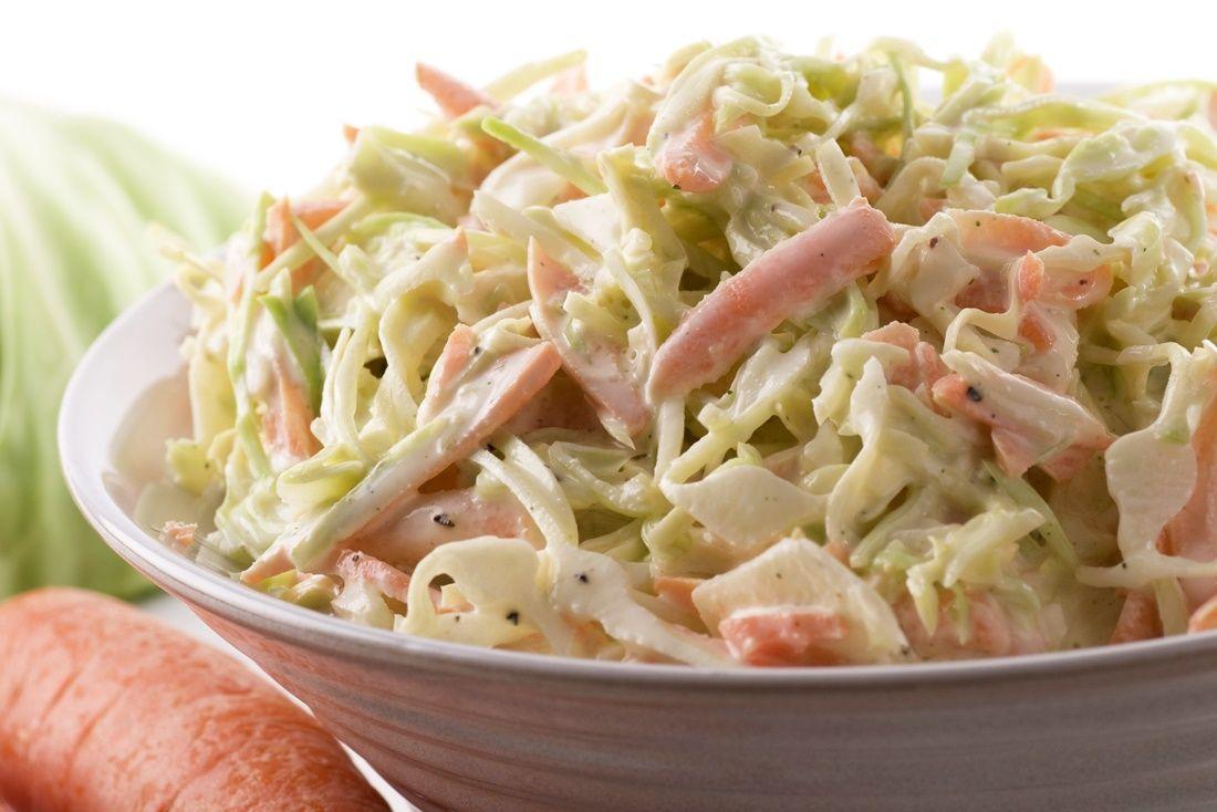 Un délicieux coleslaw | Recette salade de chou, Food ...