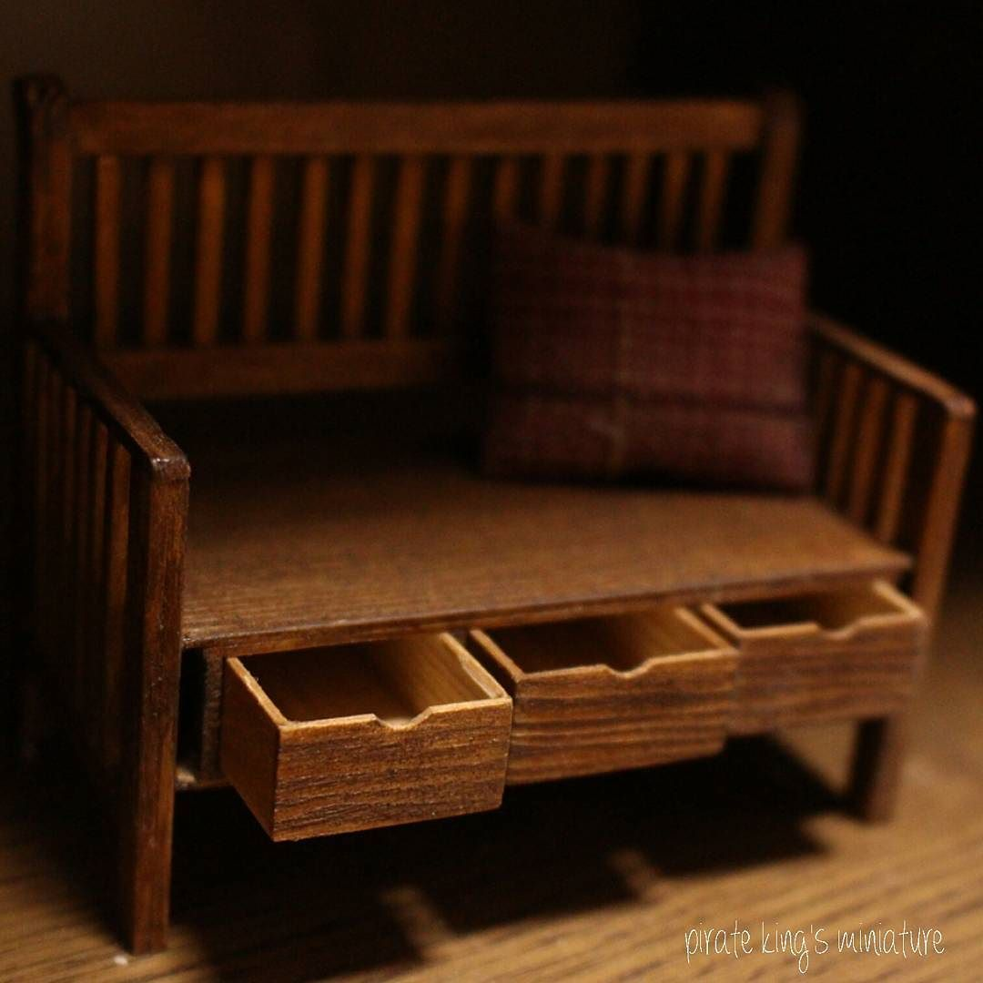 #pirateking#해적왕#미니어쳐#miniature #dollhouse#miniaturefurniture#furniture #미니어쳐가구#가구#wood#handmade #woodwork#나무#의자#chair#서랍#핸드메이드 by pirateking_miniature
