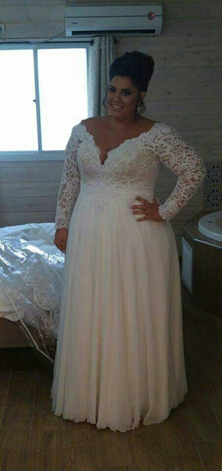Real plus size bride from Studio Levana. | Plus size wedding gowns ...