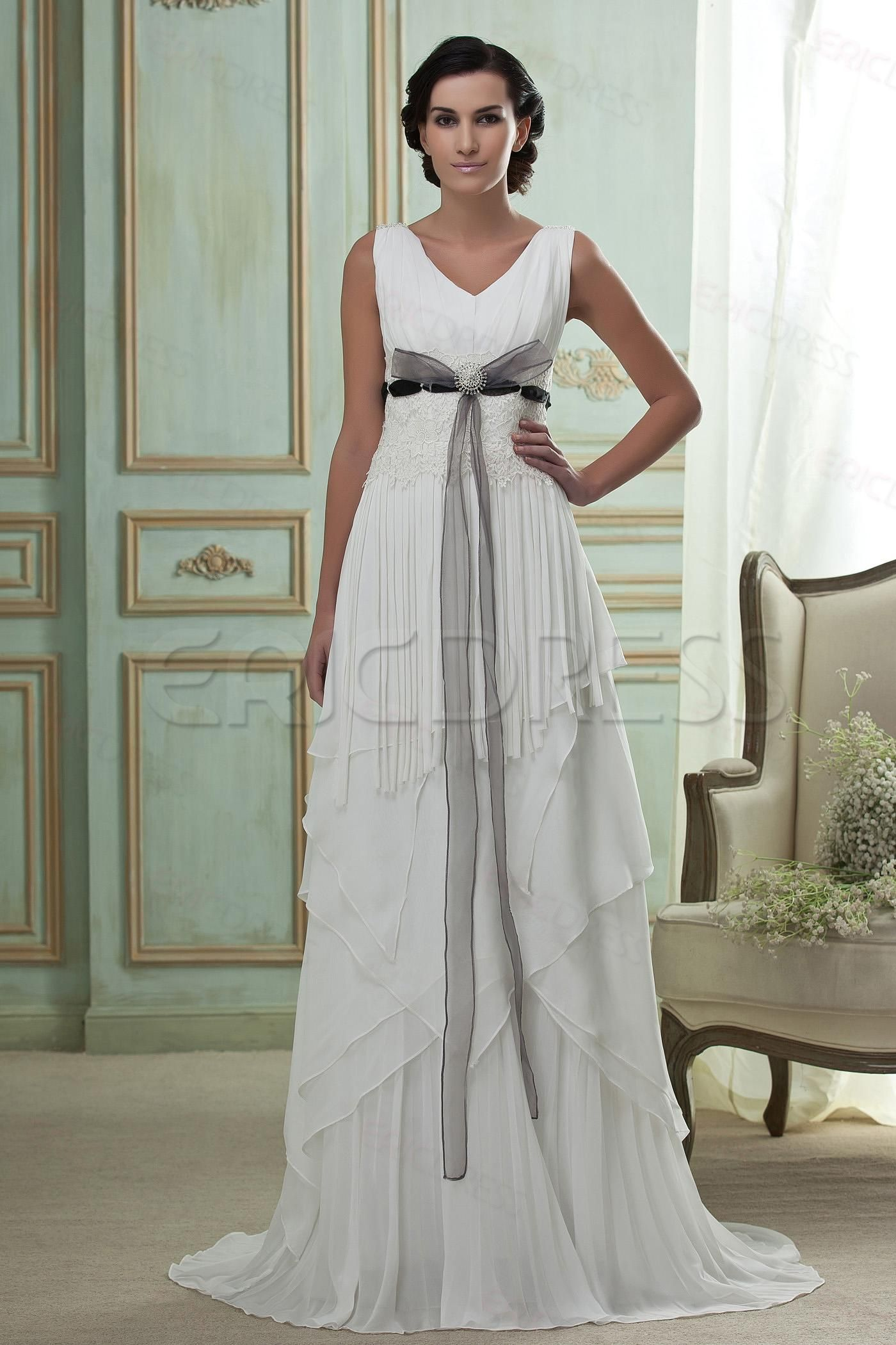 Incredible Empire Vneck Sleeveless Court Train Tiered
