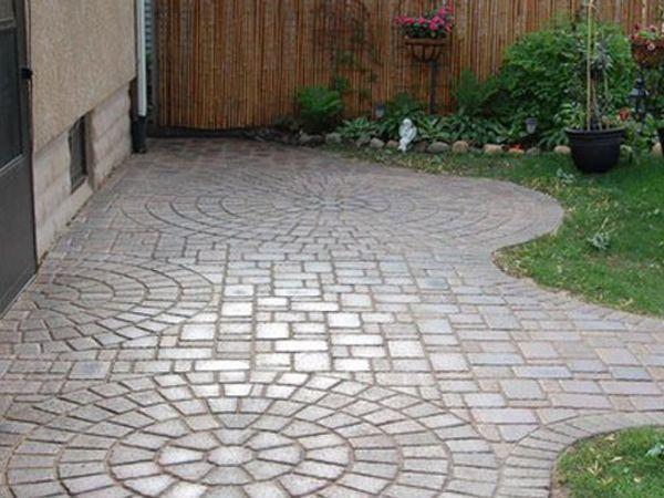 Losetas para jard n con cemento piedras y trozos de cer mica adoquines patio patio design - Jardines con adoquin ...