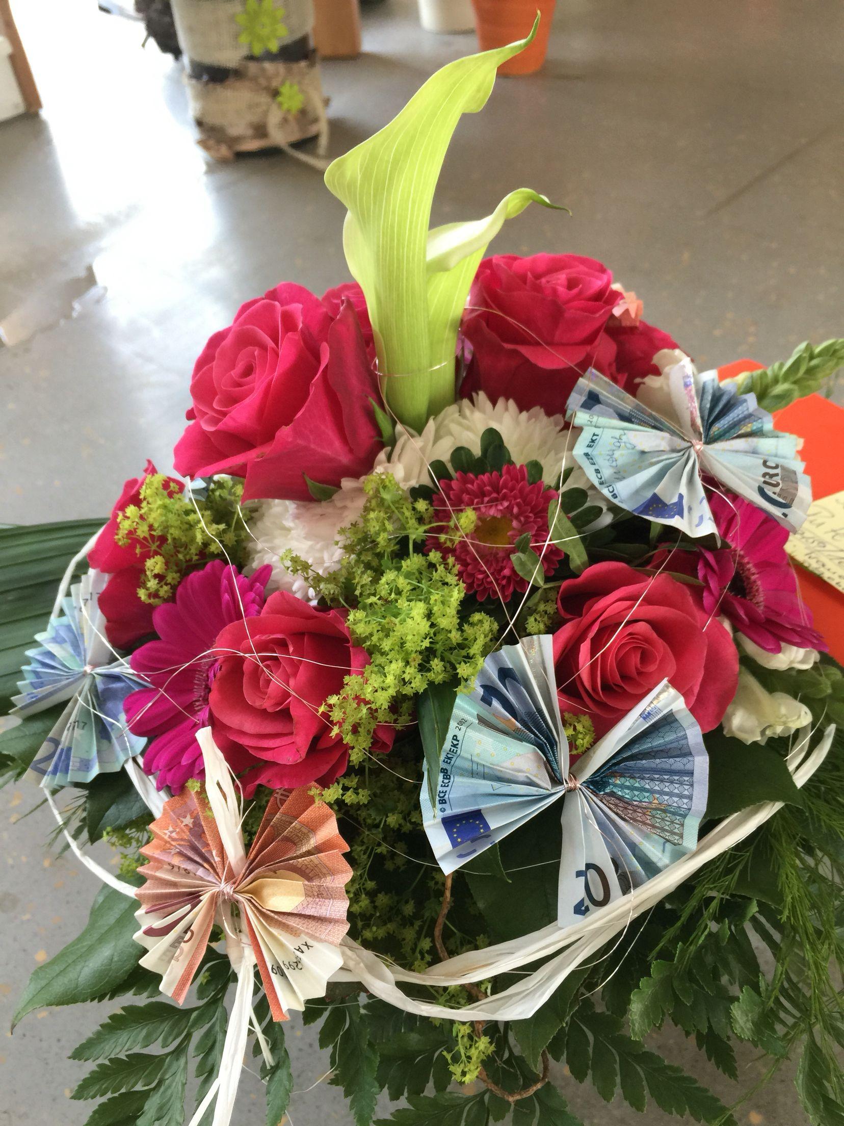 Blumenstrauss Mit Geldscheine Geld Falten Blume Geschenke Geschenkideen