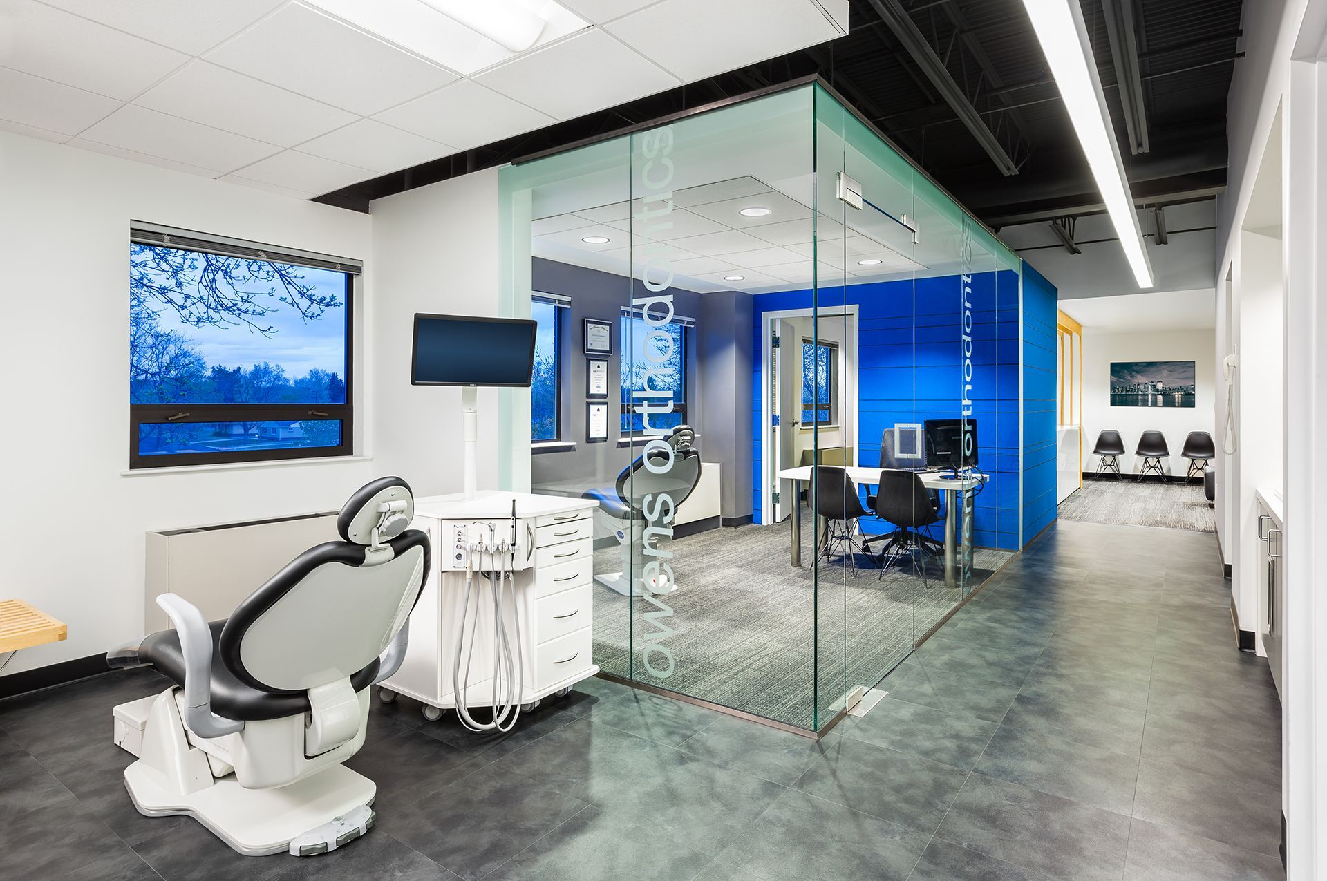 owens orthodontics - consult - awesome glass-enclosed consult