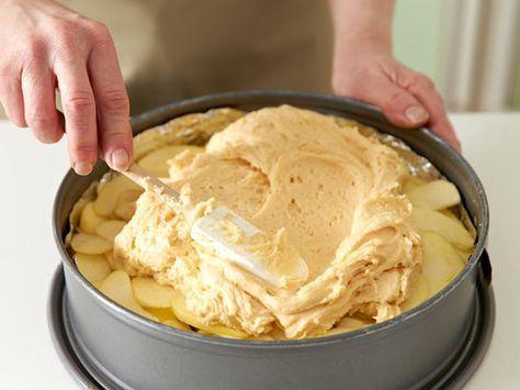 Apfel-Walnuss-Kuchen backen - so geht's #kochenundbacken