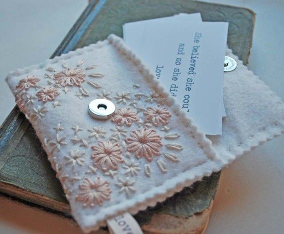 Hand Embroidered Wool Felt Card Holder Pouch Ivory Pink Faded Flowers in the Hallway Pattern