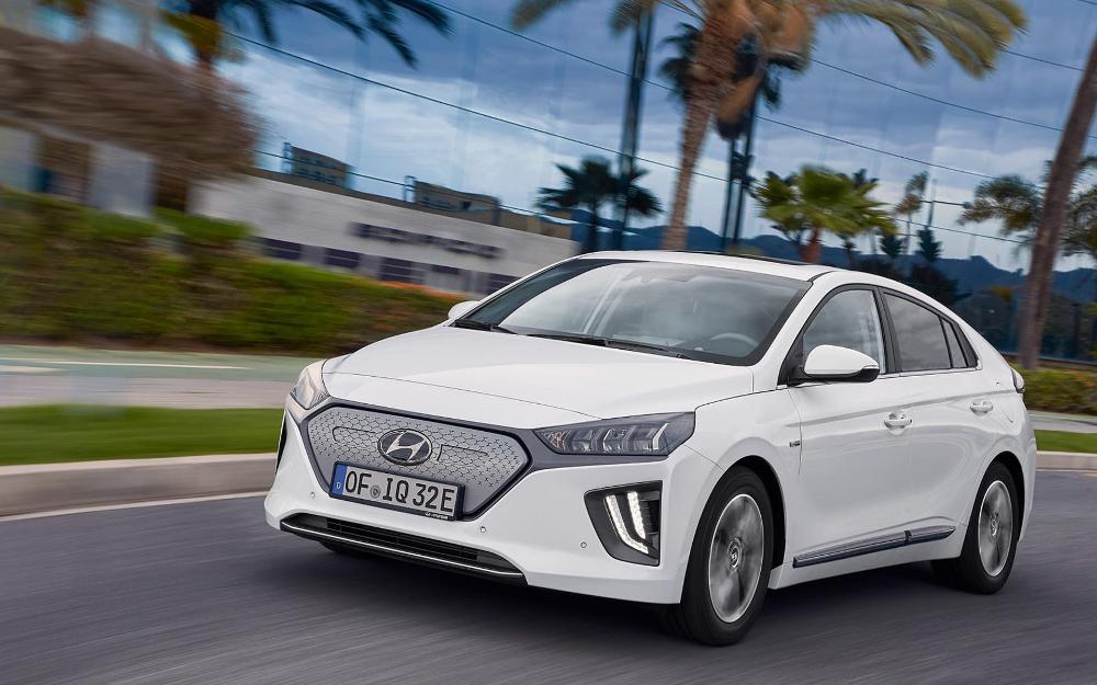 Pin By Cyndil Smith On C A R S In 2020 Hyundai Hyundai Electric Car Hyundai Models
