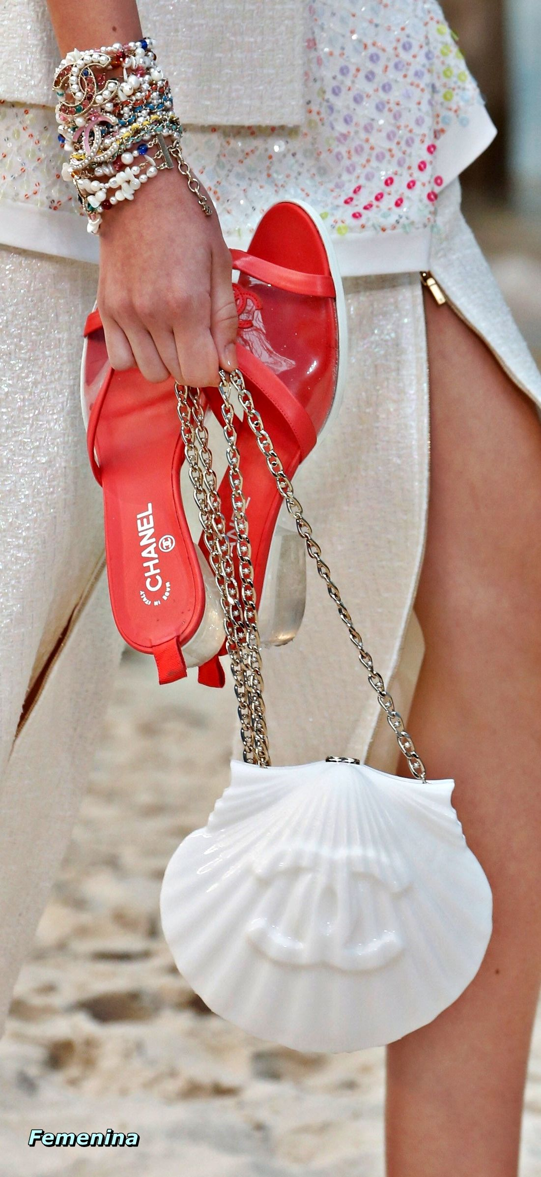 7ee2173da721 Chanel Spring Summer 2019 RTW -Details  bag accessories