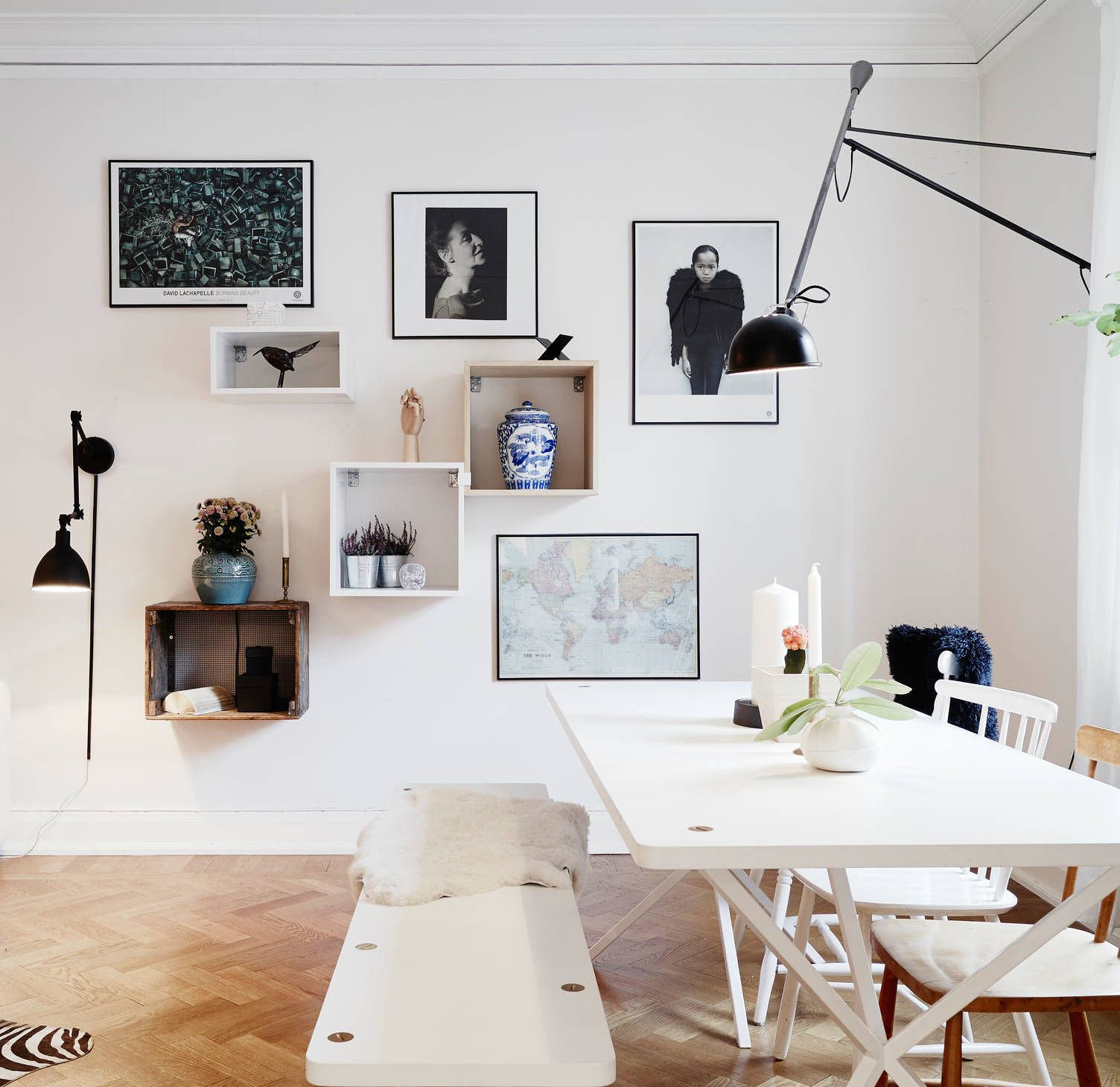 Rooms With Lines: Living Room With Different Angles And Lines