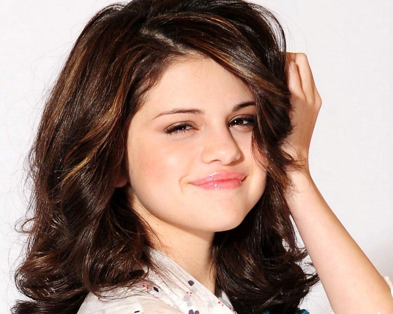 Selena Gomez Cute Hd Wallpapers Wallpaperss Hd Selena Gomez Selena Gomez Photoshoot Selena Gomez Cute