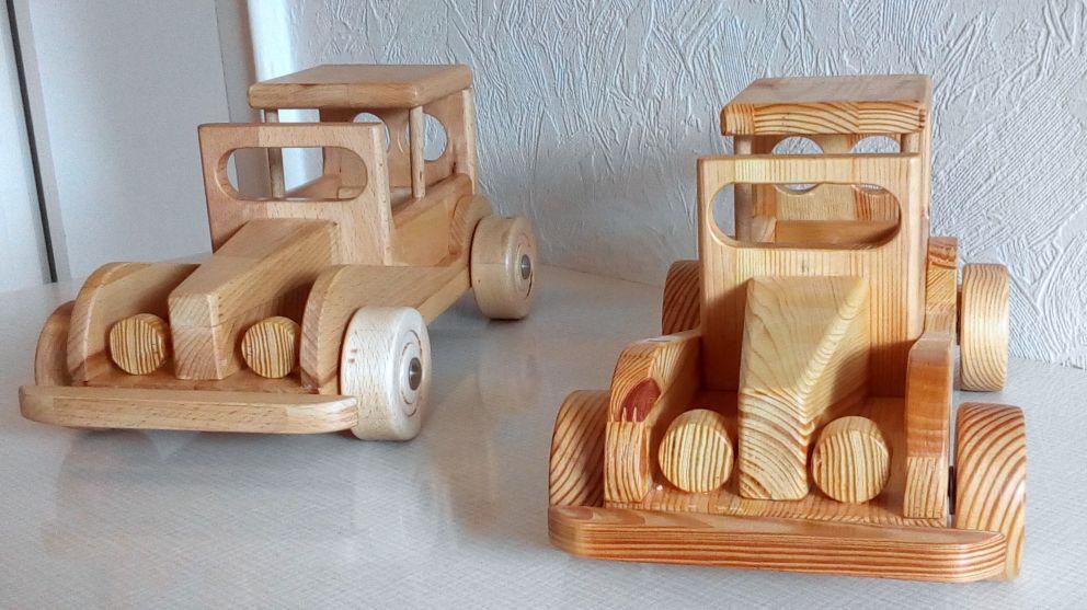 Spielzeugauto Fur Den Enkel Mit Bildern Holzspielzeug Lkw Spielzeug Holzspielzeug