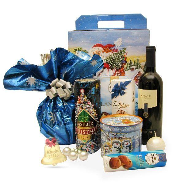 Blue Christmas este un cadou deosebit, ce contine specialitati dulci, precum panettone, turta dulce germana si praline delicioase, toate aco...