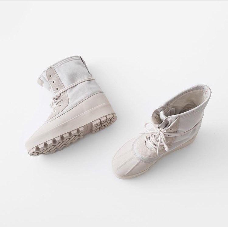 yeezy moon boots