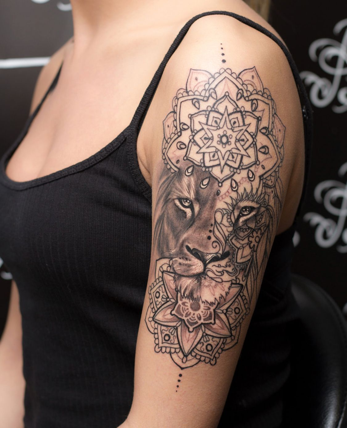 Pin By Fanni Mensola On Tatuagem Feminina Braco In 2020 Sleeve Tattoos For Women Mandala Tattoos For Women Tattoos
