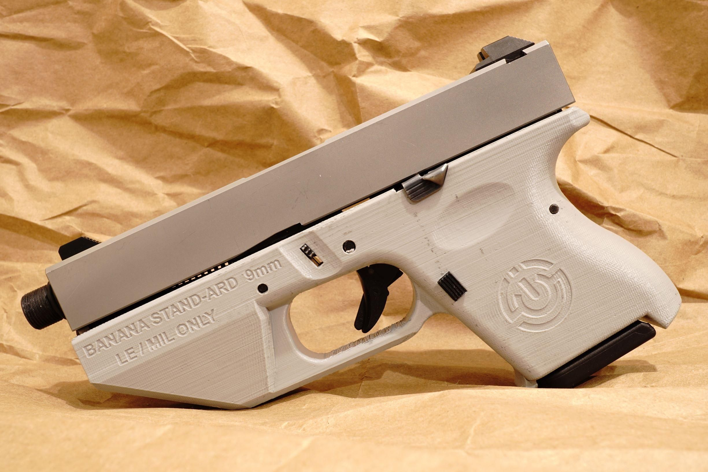 The Banana STAND-ARD World's First 3D Printed Glock Pistol
