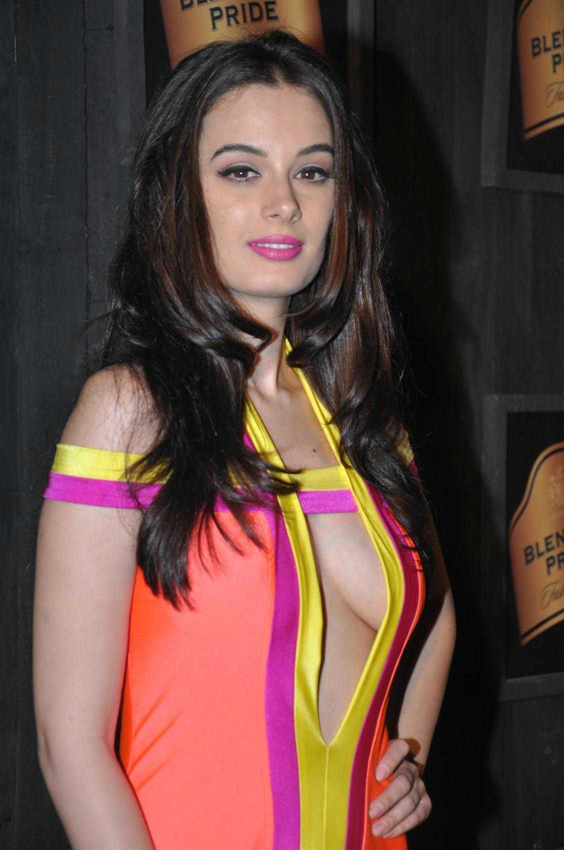 Indian Actress hot boobs