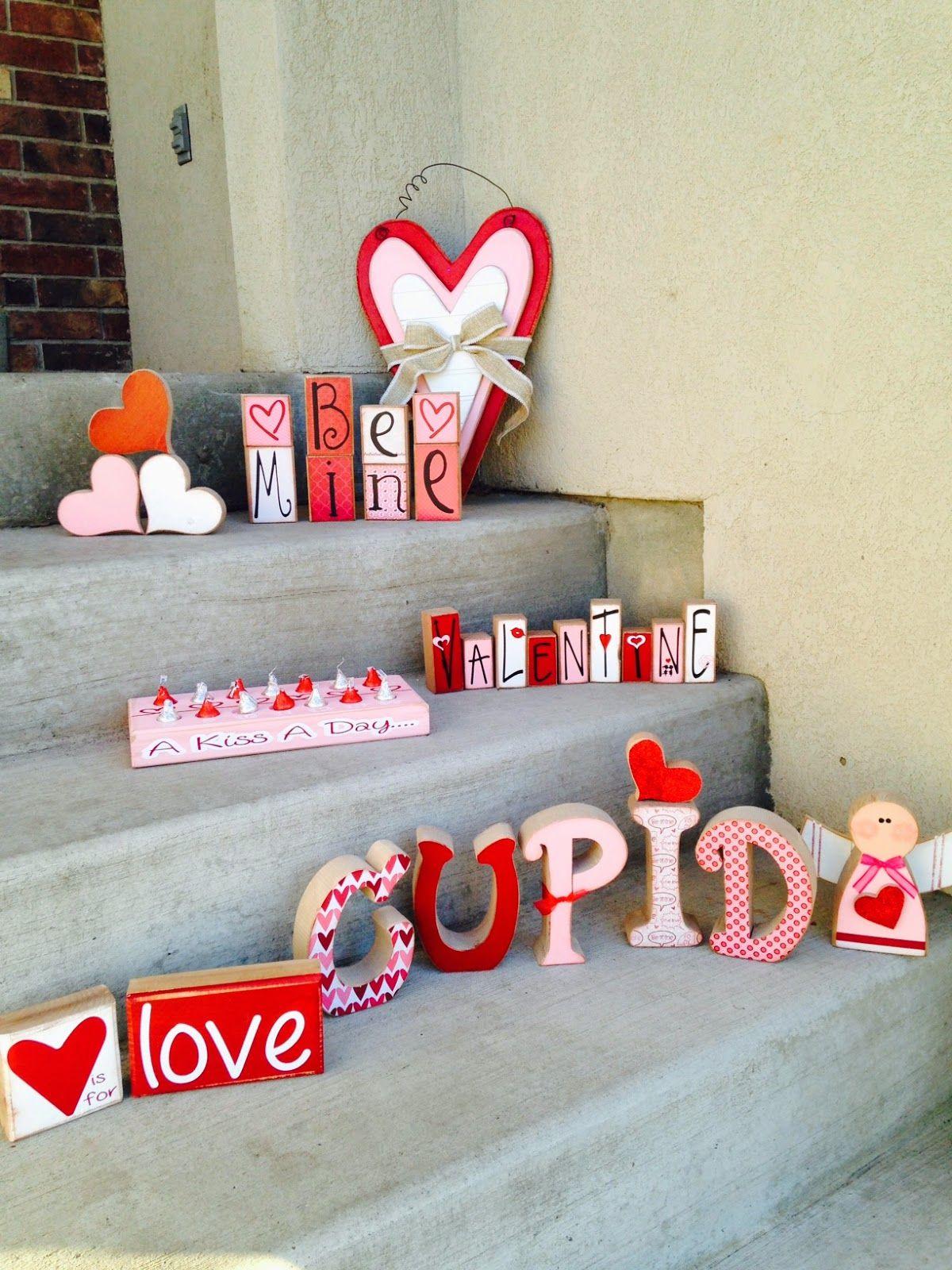 Rustique Bois KISS ajourées lettres suspendu décoratif SIGNES À faire soi-même décors