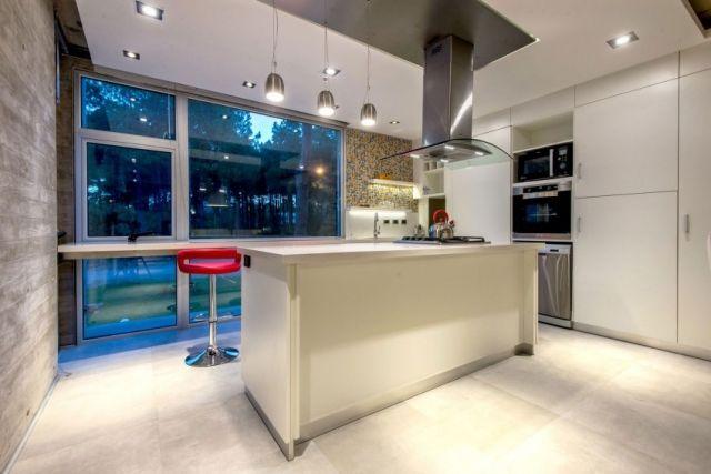 Idee für weiße küche schränke-kochinsel metallische-Türgriffe - weiss kche mit kochinsel