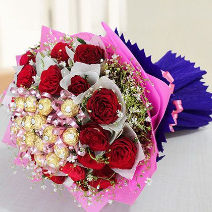 Woo Your Wife On This Wedding Anniversary With These Mind Blowing Anniversary Gift Ideas For Her Online Flower Delivery Flower Gift Buy Flowers Online