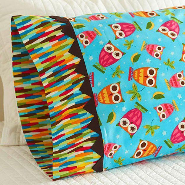 DIY Sewing Projects- Pillowcase Ideas - Prairie Point Pillowcase Tutorial at ://