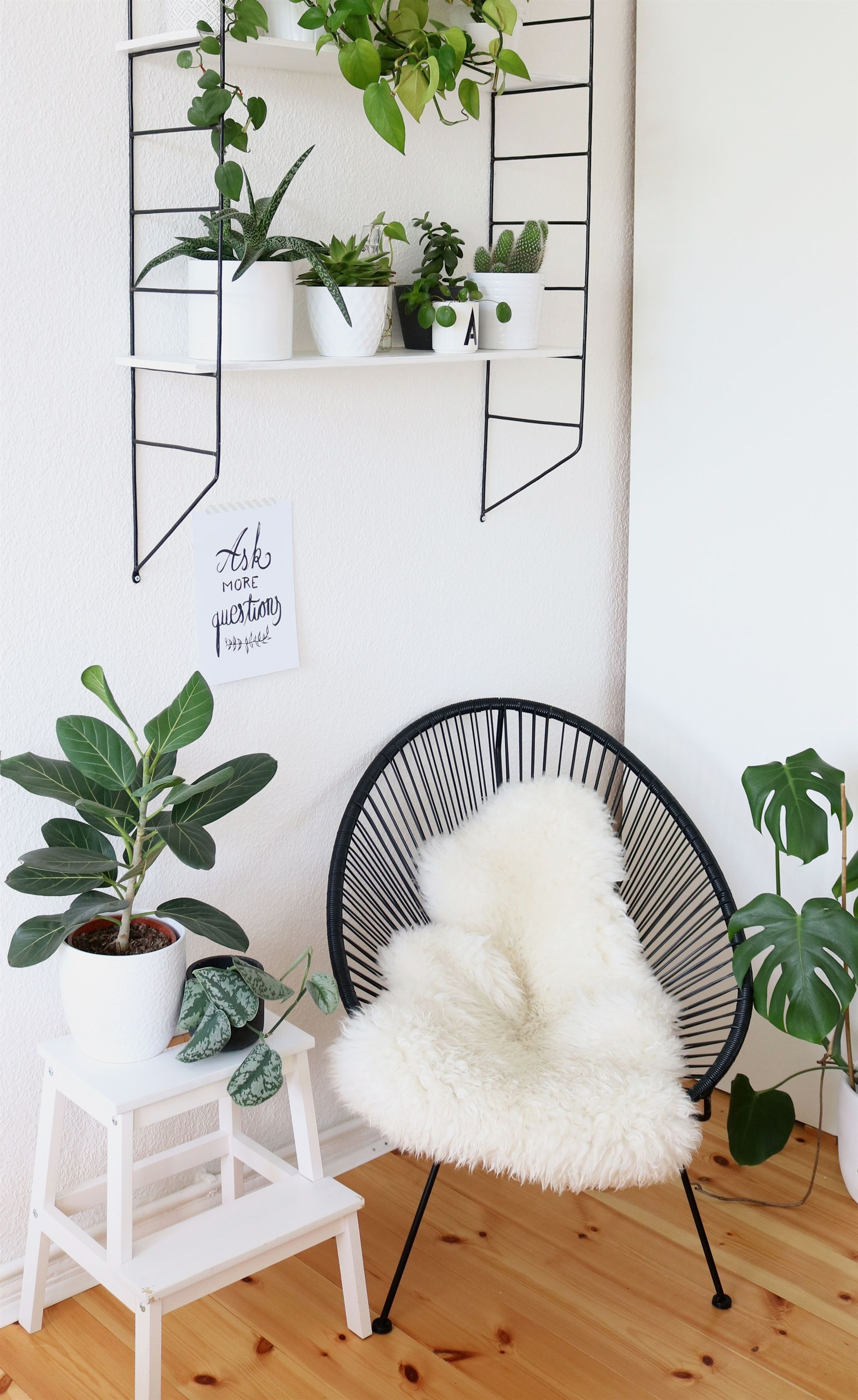 Urban Jungle Decorating Kitchen: Urban-jungle-ecke-im-schlafzimmer-2 #BedroomDecor