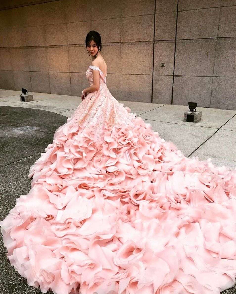Speaking of Francis Libiran, how amazing is this blush gown ...