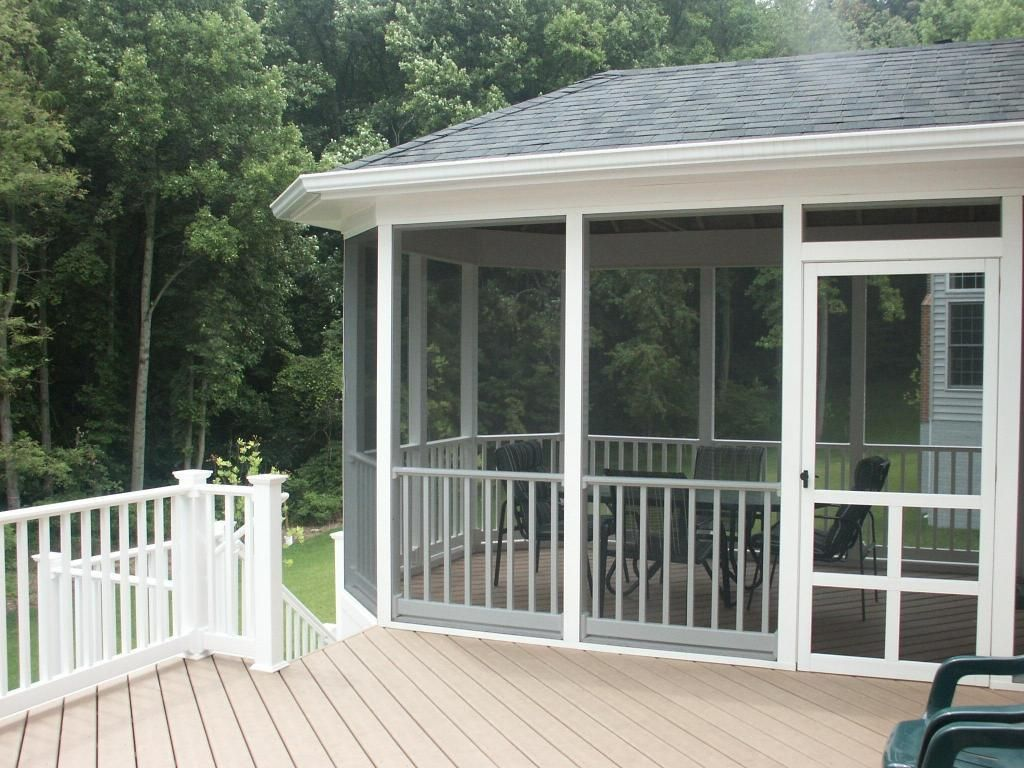 Screen porches screened porch composite decking for Outdoor porches and patios