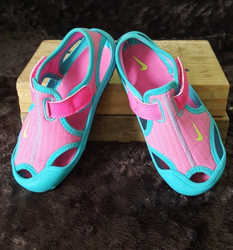 2bfdb8ecf364 Girls NIKE Pink Blue Water Shoes Size 8  Nike  WaterShoes  babywatershoes
