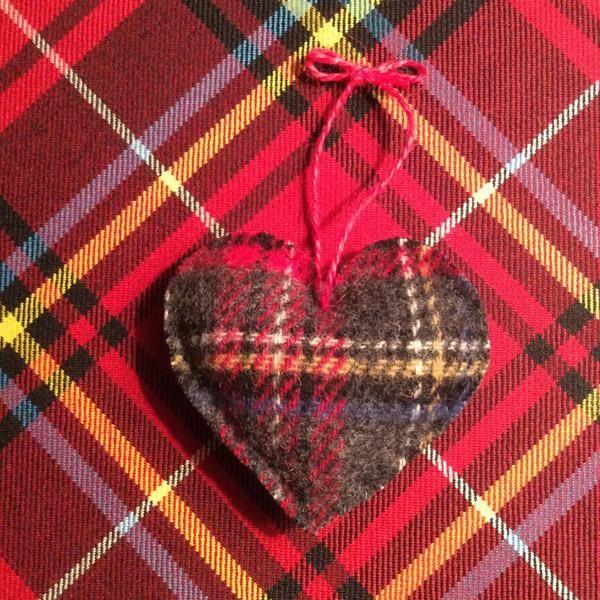 Plaid Heart Tree Ornament - Jenny Tartan Heart tree, Tartan fabric
