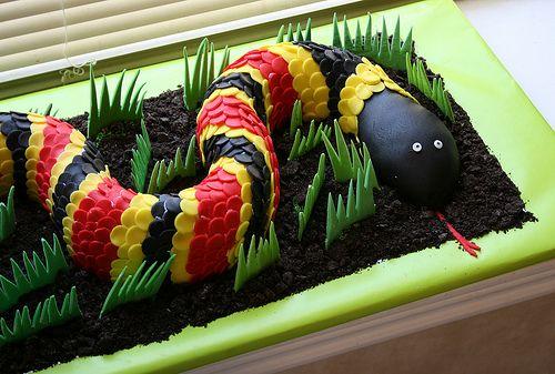Groovy Snake Birthday Cake Snake Birthday Reptile Party Snake Cakes Funny Birthday Cards Online Overcheapnameinfo