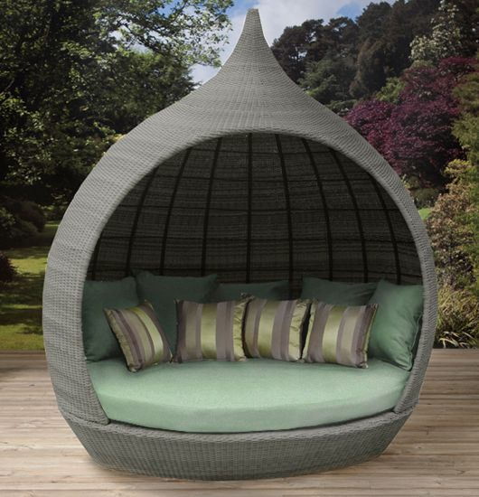 Furniture Comfortable Round Wicker Outdoor Daybed For Patio Decoration Round Daybeds Sydney Outdoor Round Daybed R Outdoor Daybed Daybed Design Patio Flooring