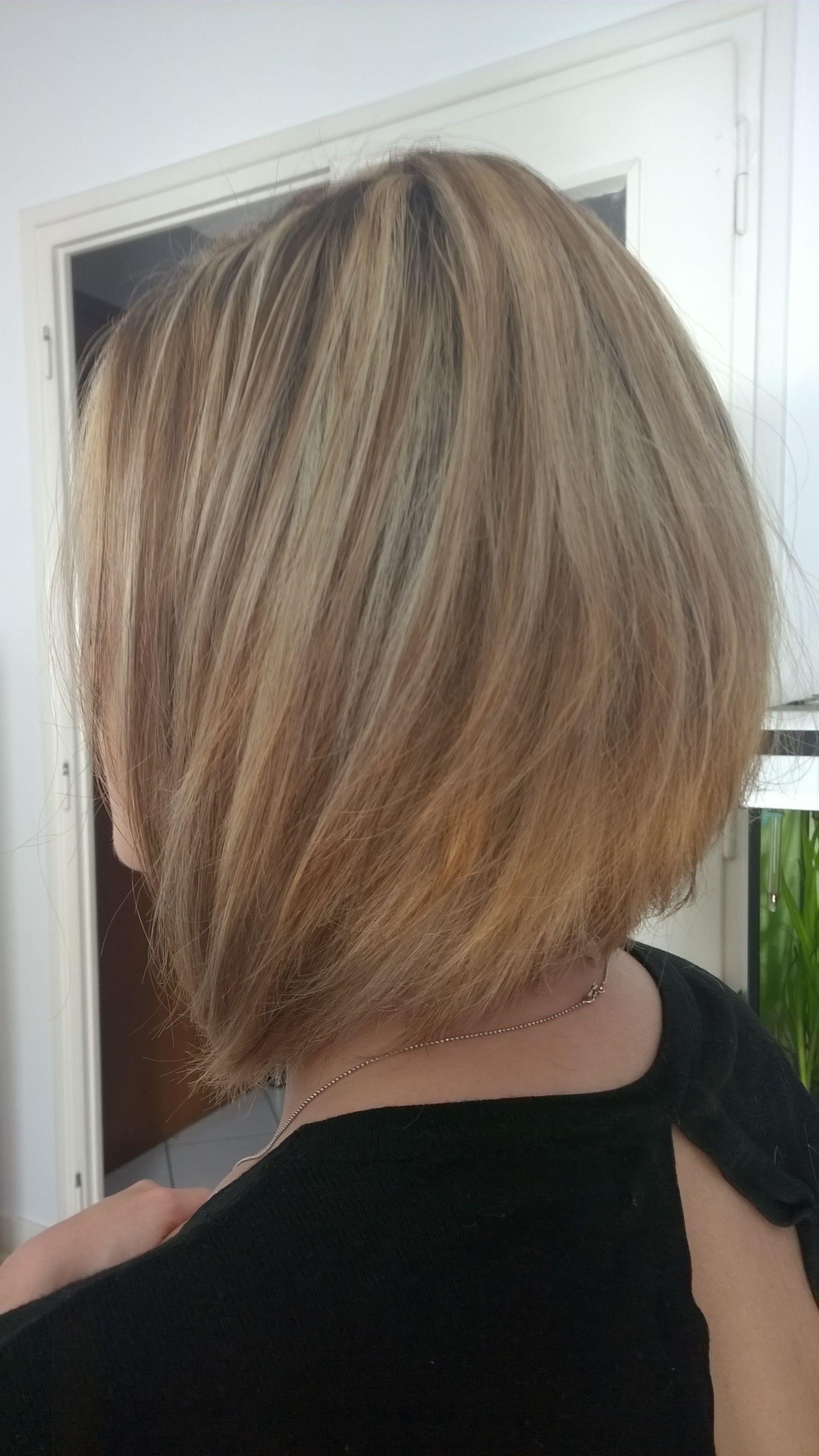 Carre plongeant long et mèches blondes | Coupe cheveux carré, Carré plongeant mèche blonde ...
