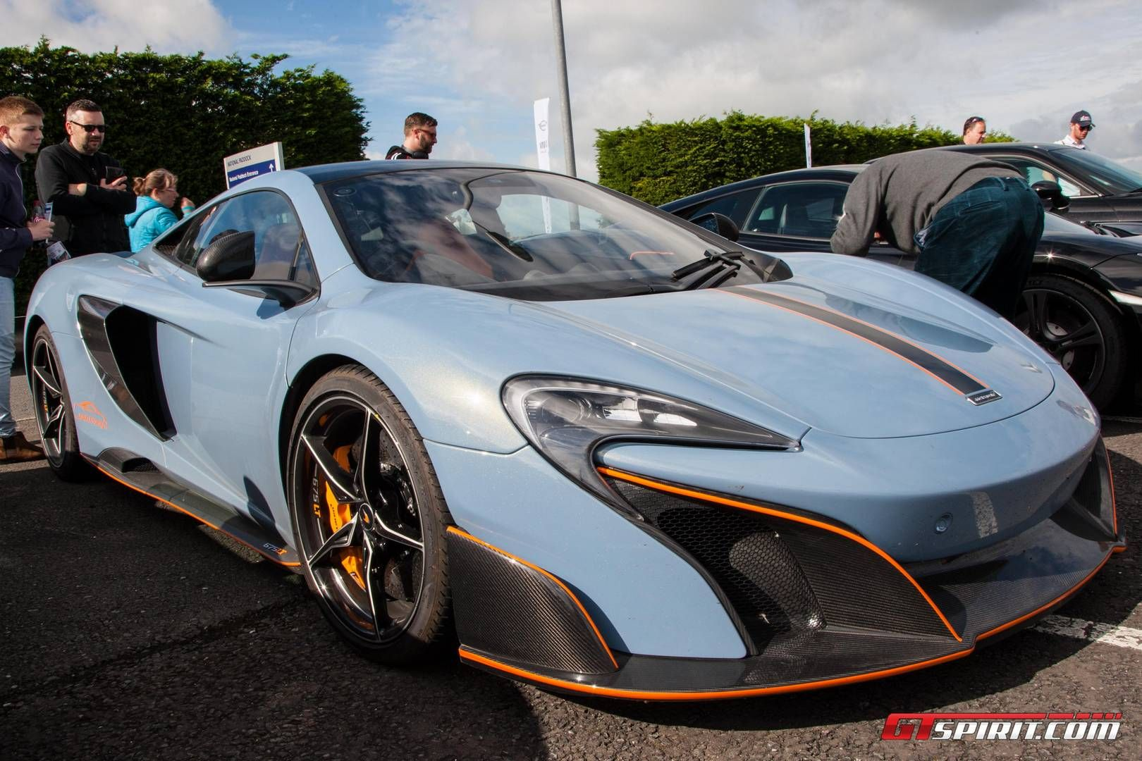 Gallery Supercar Sunday At British Gt Silverstone Round With Images Super Cars Sport Cars Mclaren