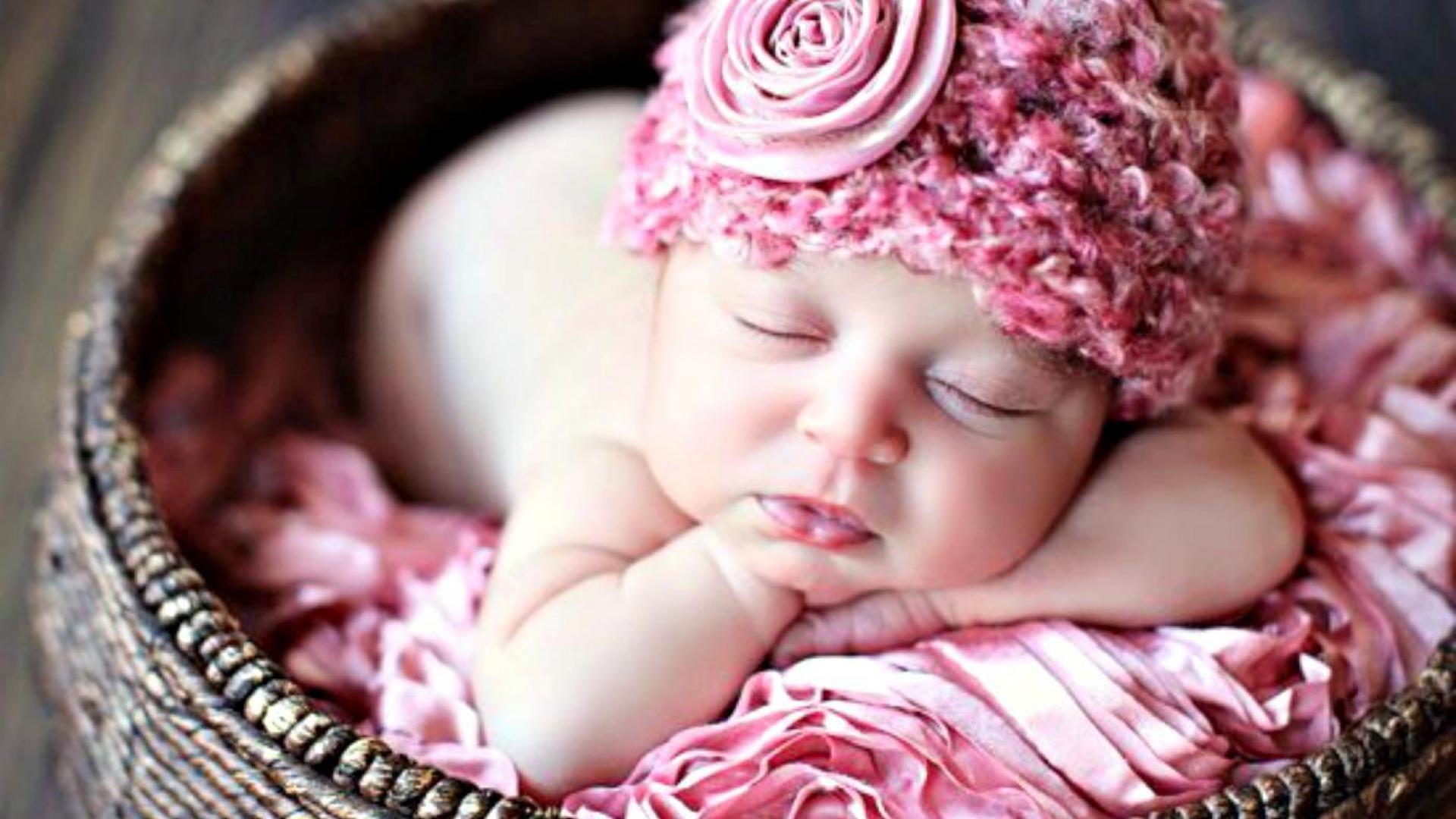 Cute Newborn Baby Wallpaper HD Free Download Fond Decran Large Photo D