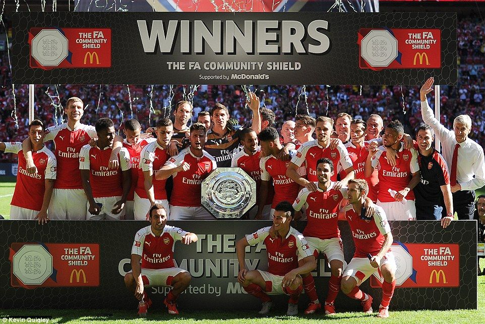 Arsenal 1-0 Chelsea: Alex Oxlade-Chamberlain fires Gunners to Community Shield win at Wembley and ends Jose Mourinho's hoodoo over Arsene Wenger on Petr Cech's debut | Daily Mail Online