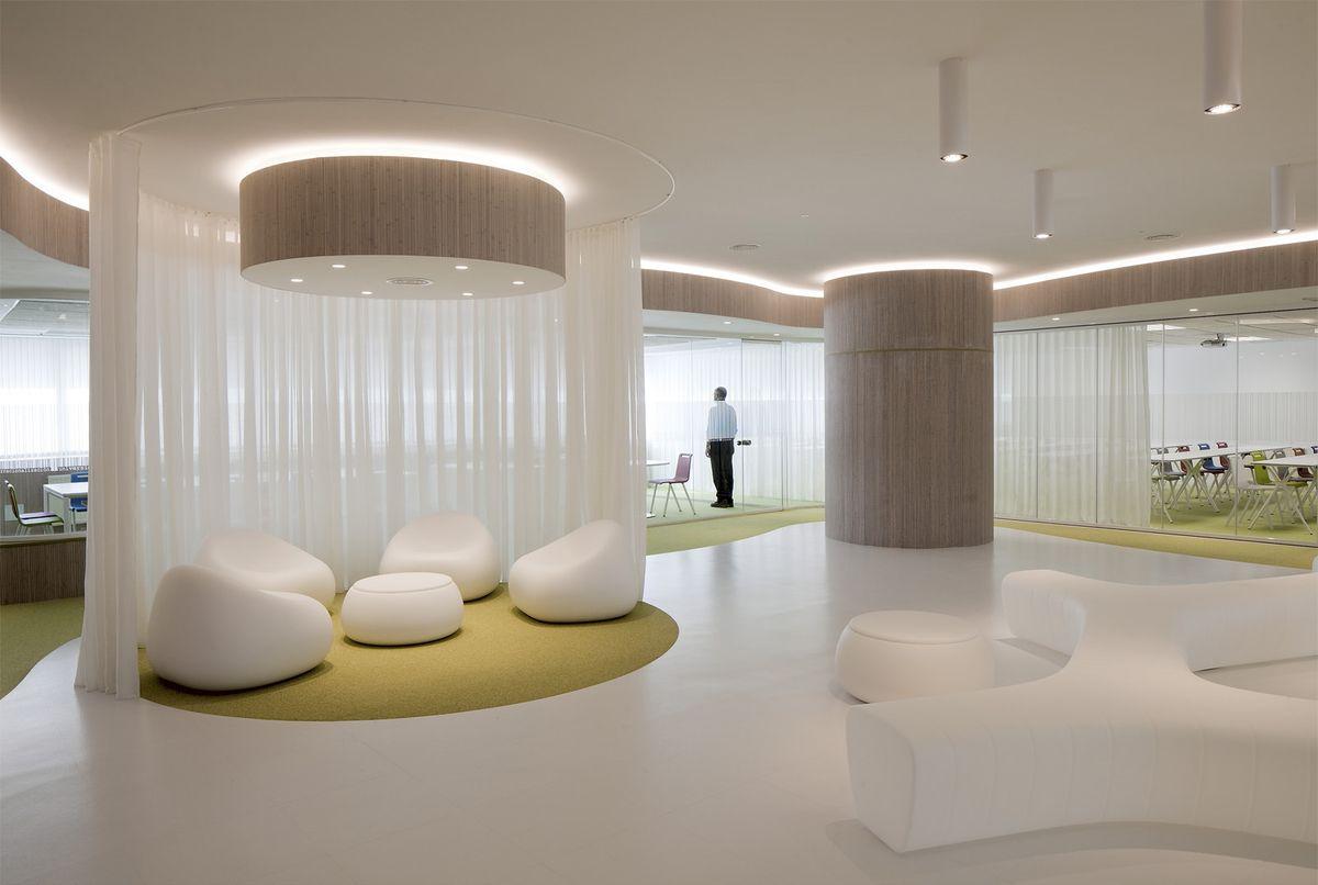 Office tour the santander international entrepreneurship for International seating decor