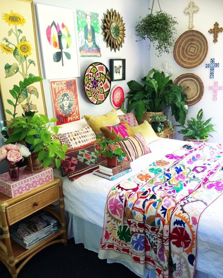 27 chic bohemian interior design you will want to try for Gypsy bedroom decor