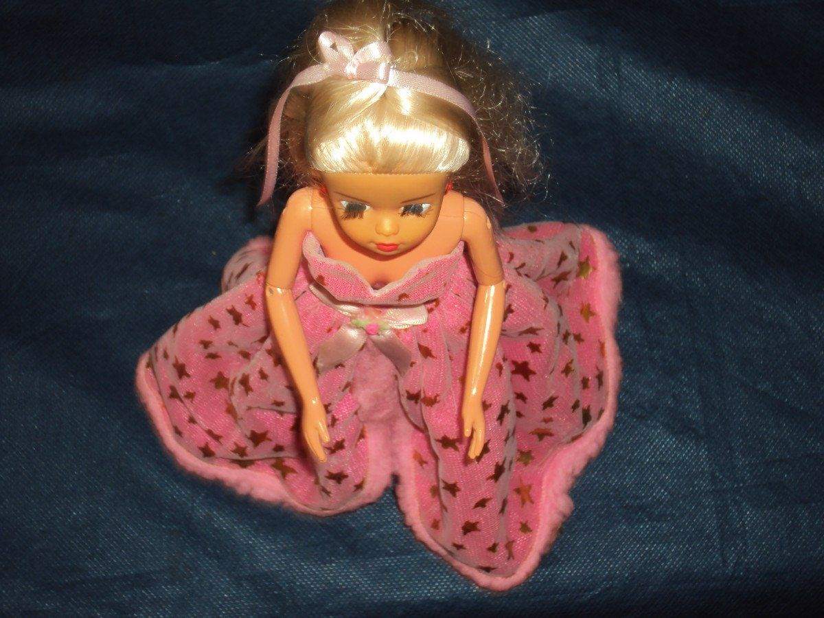 Brinquedo Antigo,boneca Susi Articulada Da Estrela - R$ 60,00 no MercadoLivre