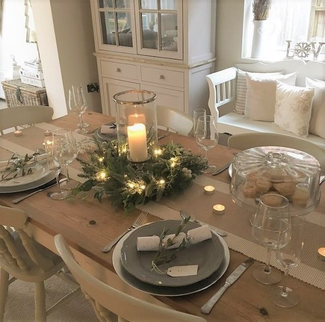 32 Stylish Dining Room Ideas To Impress Your Dinner Guests: The-Home-That-Made-Me-Christmas-Table-Decoration-Ideas