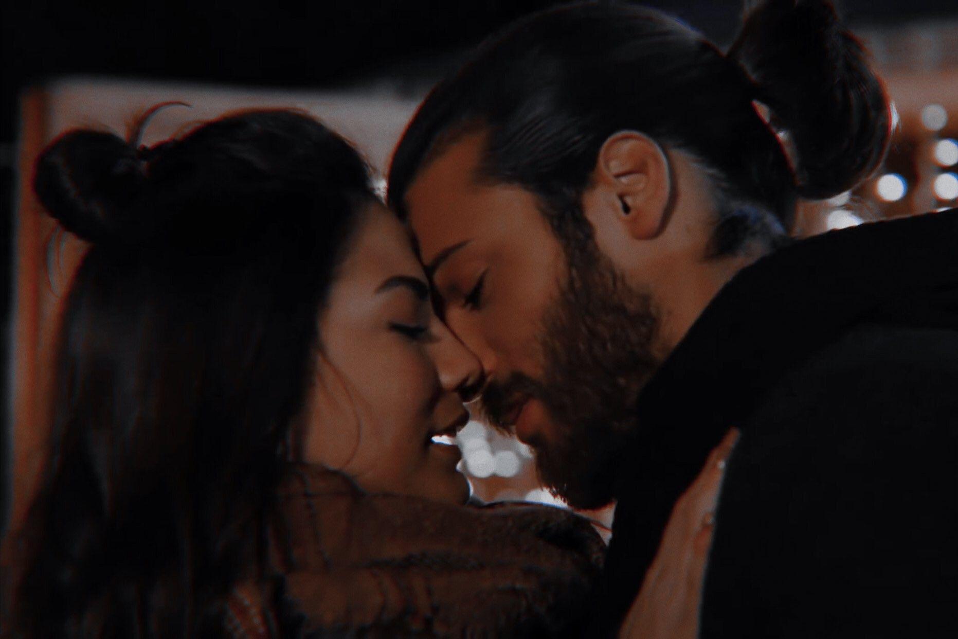 Pin By 𝙻 𝚎 𝚎 On Erkenci Kus Romantic Drama Turkish Men Sanem