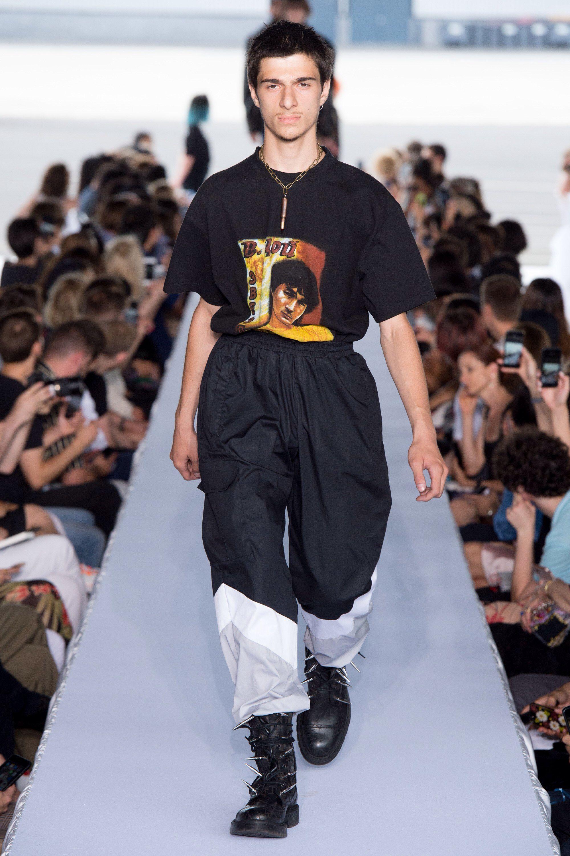 Vetements Spring 2019 Menswear Fashion Show | Design in ...