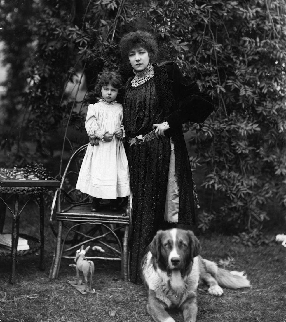 Foto d'archivio Sarah Bernhardt e nipote – Il Post