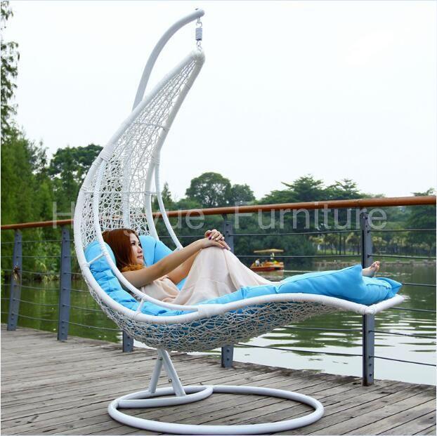 Hanging Chaise En Rotin Meubles De Lit Avec Des Coussins Chaises